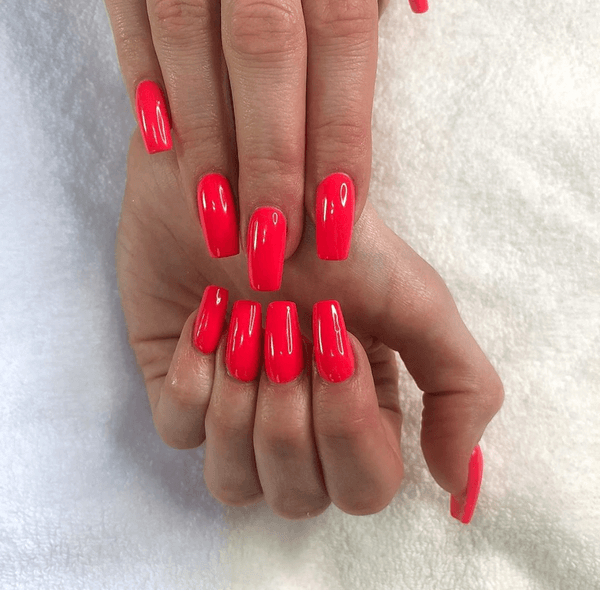 nails-red